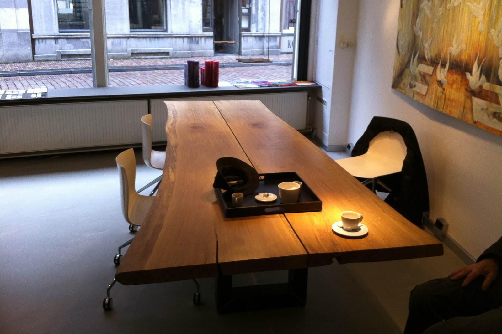 Eetkamer eetkamertafel edge : Eiken live edge tafels voor Swartsenborg - Warner Interieur
